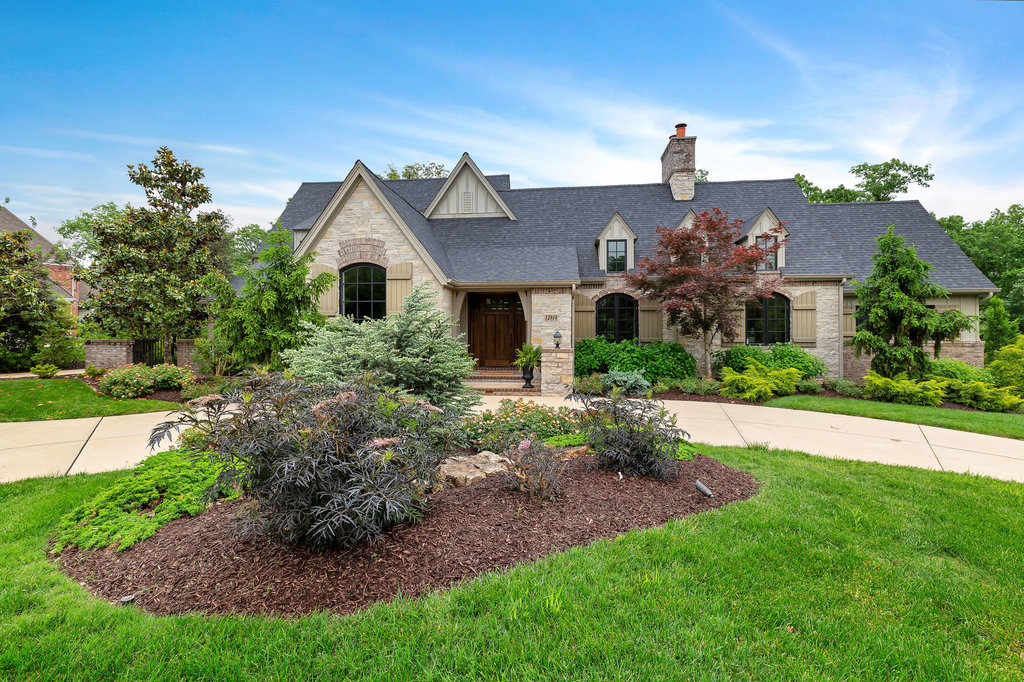 Curb appeal ideas for homes   Staging That Sells